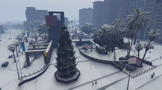 File:LegionSquare-GTAO-Snow.jpg