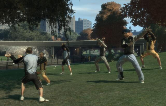 File:MiddlePark-GTA4-fitnessgroup.jpg