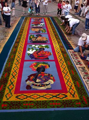 Alfombras de semana santa guatemala wiki fandom for Imagenes de alfombras