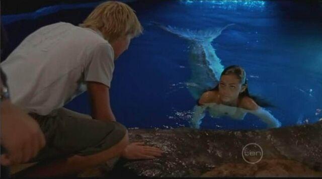 File:Lewis Talking To Cleo In Moon Pool.jpg