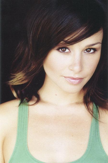 Danielle Harris bio
