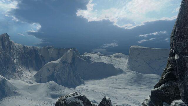 File:Halo 4 Unidentified Forerunner Moon Meltdown 1.jpg