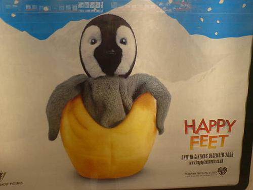 File:Penguin? Or face-hugger emerging from its egg?.jpg