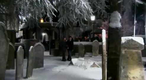 File:Harry and Hermione at Godric's Hollow cemetery 01.JPG