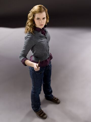 File:Hermione Granger (HBP promo) 2.jpg