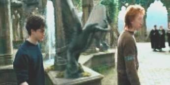 File:Gargoyle statue Paved Courtyard Prisoner of Azkaban (film) pic1.jpg