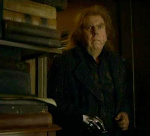 File:Peter Pettigrew at Spinner's End 03.JPG