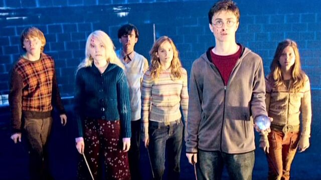 File:Leaders of the Dumbledore's Army at the Department of Mysteries (HP5).JPG