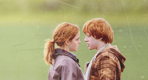 File:Cute-emma-watson-harry-potter-hermione-granger-love-rony-weasley-favim.com-72575 large.jpg