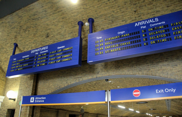 File:King'sCrossDepartures2.png