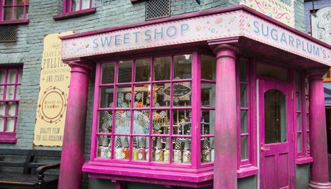 File:Sugarplums-sweetshop-diagon-alley.jpg