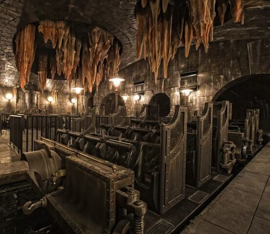 File:Escape-from-gringotts-vehicle.jpg