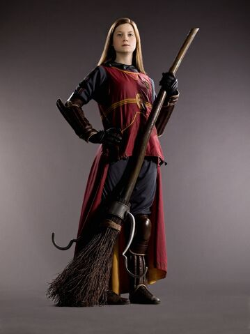 File:Ginny Weasley (HBP promo) 4.jpg