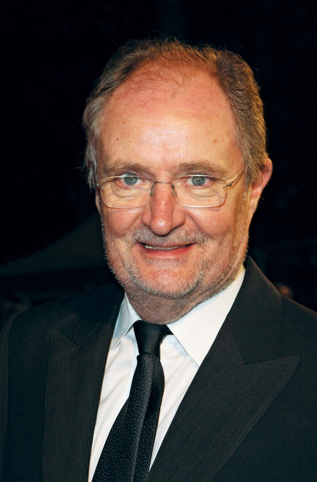 File:Jim Broadbent 2.jpg