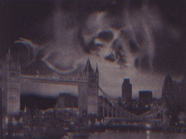 File:Dark Mark Over London.JPG