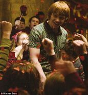 Ronald-Weasley is-cheered up HBP
