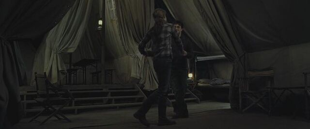 File:Harry and Hermione dancing inside the tent 02.JPG
