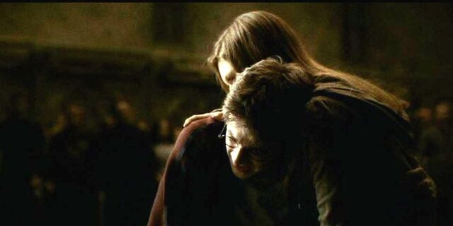File:Ginny Weasley accompanying Harry Potter besides Dumbledore's dead body.JPG