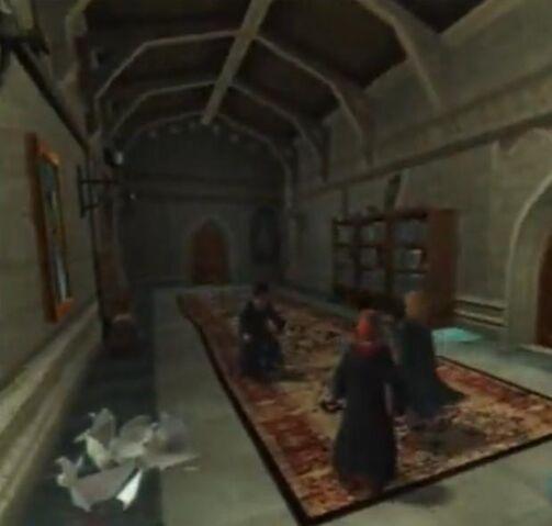 File:GlanmorePeakes'Corridor.jpg