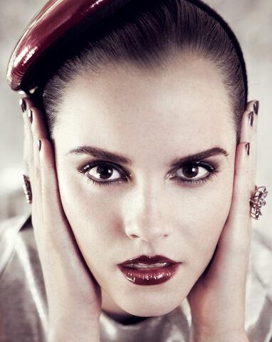 File:Emma Watson Vogue 2.jpg