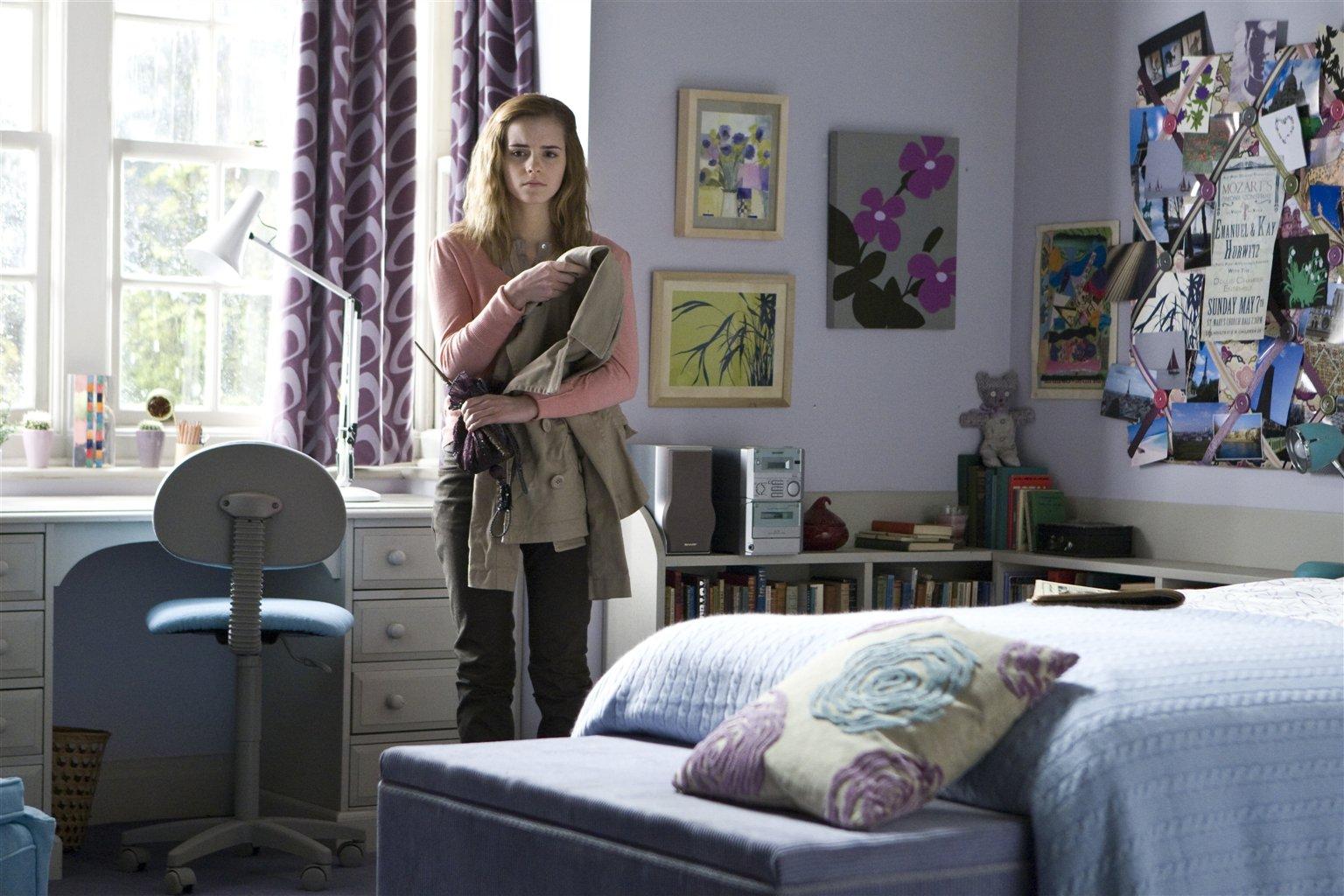 Harry Potter Bedroom Set  19  Image HermioneBedroom Jpg Harry Potter  Wiki Fandom Powered. Harry Potter Bedroom Set   Eddiemcgrady com