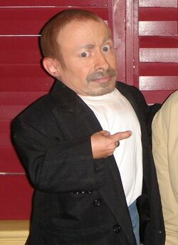 Verne Troyer crop