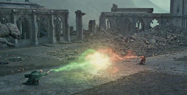 File:Harry vs Voldemort.jpg