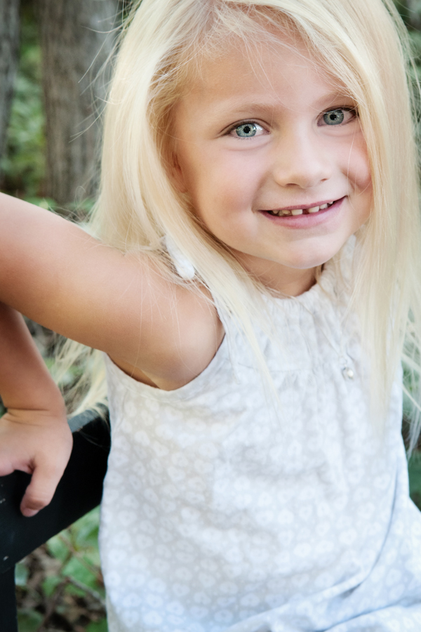 Image Gorgeous Green Eyed Girl Little Girl With Blonde