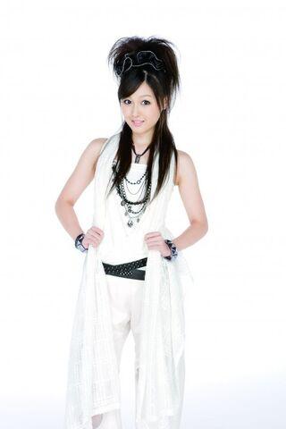 File:Kusumi Koharu 26846.jpg