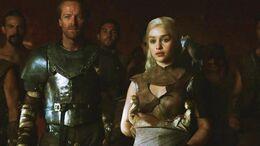 Jorah, Daenerys y dragones HBO.jpg