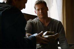 Jaime mano de oro HBO.jpg