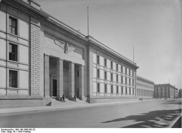 File:Bundesarchiv Bild 146-1988-092-32, Berlin, Neue Reichskanzlei.jpg