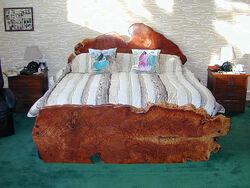 Redwood-bed