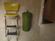 Retro stepstool trash can
