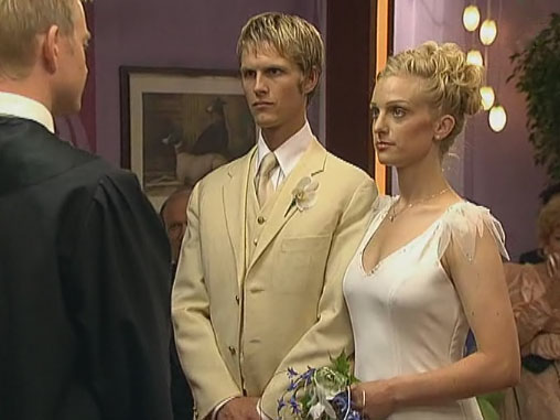 Fil:Ninni og Jens August gifter seg.jpg