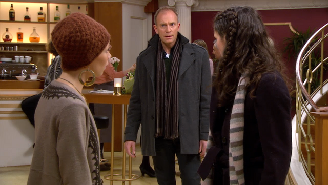 Fil:Runa får vite at Jan er faren hennes.png