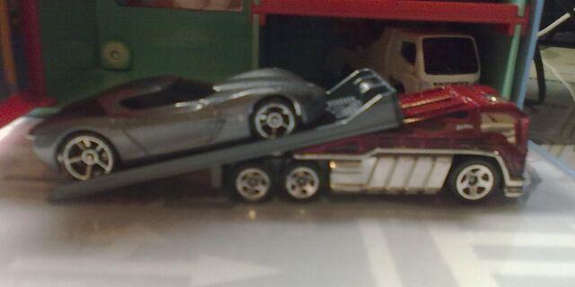 File:Hotwheels '09 Corvette Stingray Concept on Back Slider.jpg