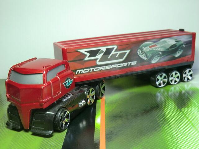 File:Truckin' Transporters CIMG1603.JPG