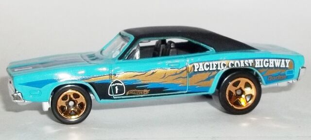 File:HW-Road Trippin'-2104-13-'69 Dodge Charger.jpg