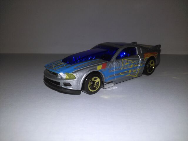 File:Hot wheels 13 mustang.jpg