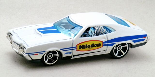 File:'72 Ford Gran Torino Sport-2014 248 Recolor.jpg