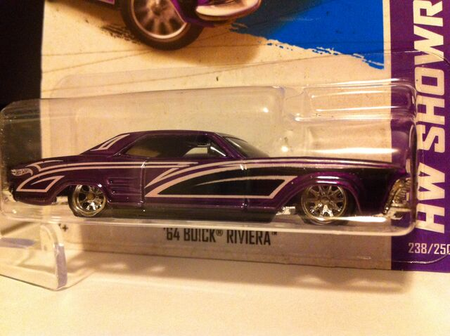 File:'64 Buick Riviera '13 super.jpg
