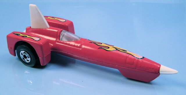 File:Tricar x8 red flames malaysia base white fin and nose.JPG