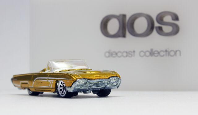 File:Ford T-Bird 1963 (spectraflame gold).jpg