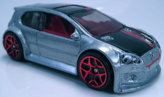 File:Volkswagen Golf GTI 2013 HW Showroom HW Garage.JPG