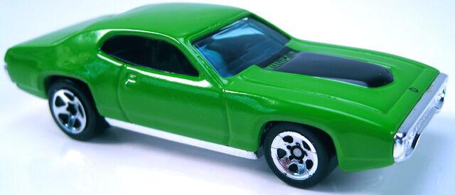 File:71 plymouth gtx green enamel 2001 FE.JPG