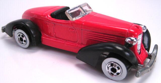 File:Auburn 852 red black fenders ww mal base 1993.JPG