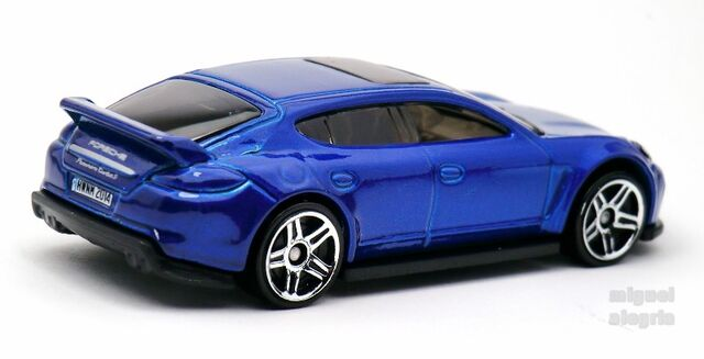 File:Porsche Panamera-2014.jpg
