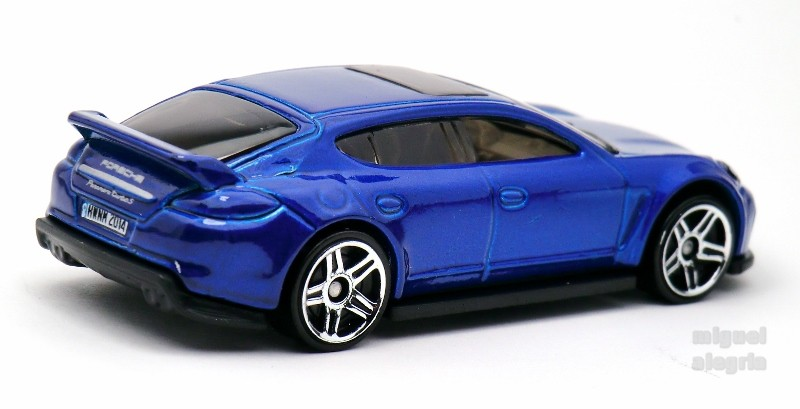 porsche panamera hot wheels wiki fandom powered by wikia. Black Bedroom Furniture Sets. Home Design Ideas