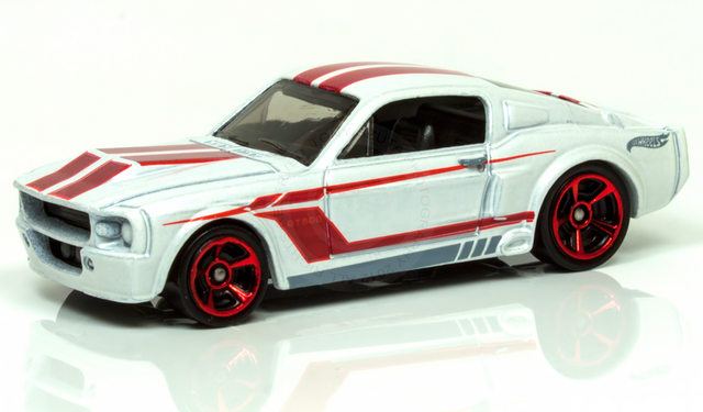File:67 shelby gt-500 2012 white.png